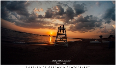 Chicago sunrise engagement pictures | Nort Avenue beach engagement session