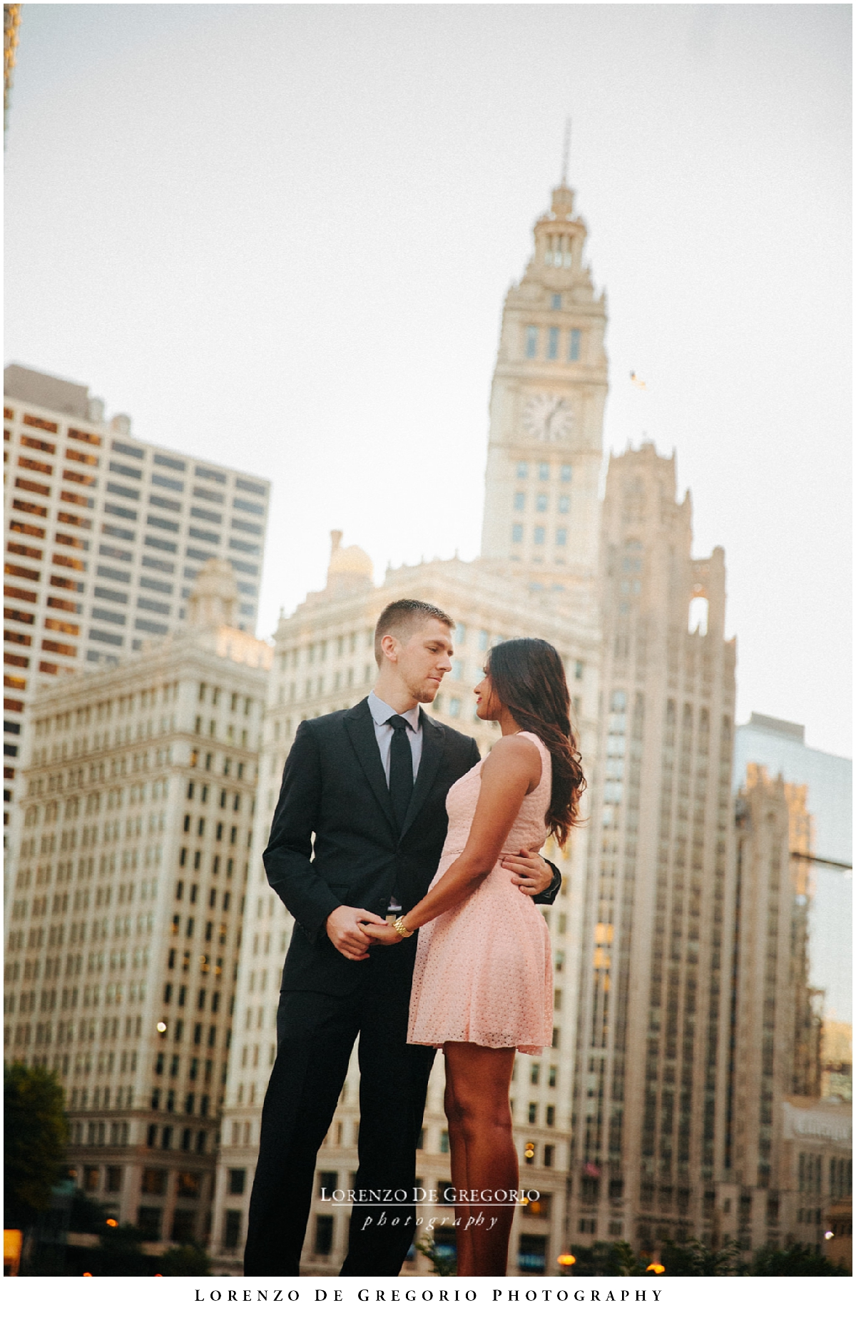 Downtown Chicago sunrise engagement | Chicago engagement photography | Chicago wedding photographer
