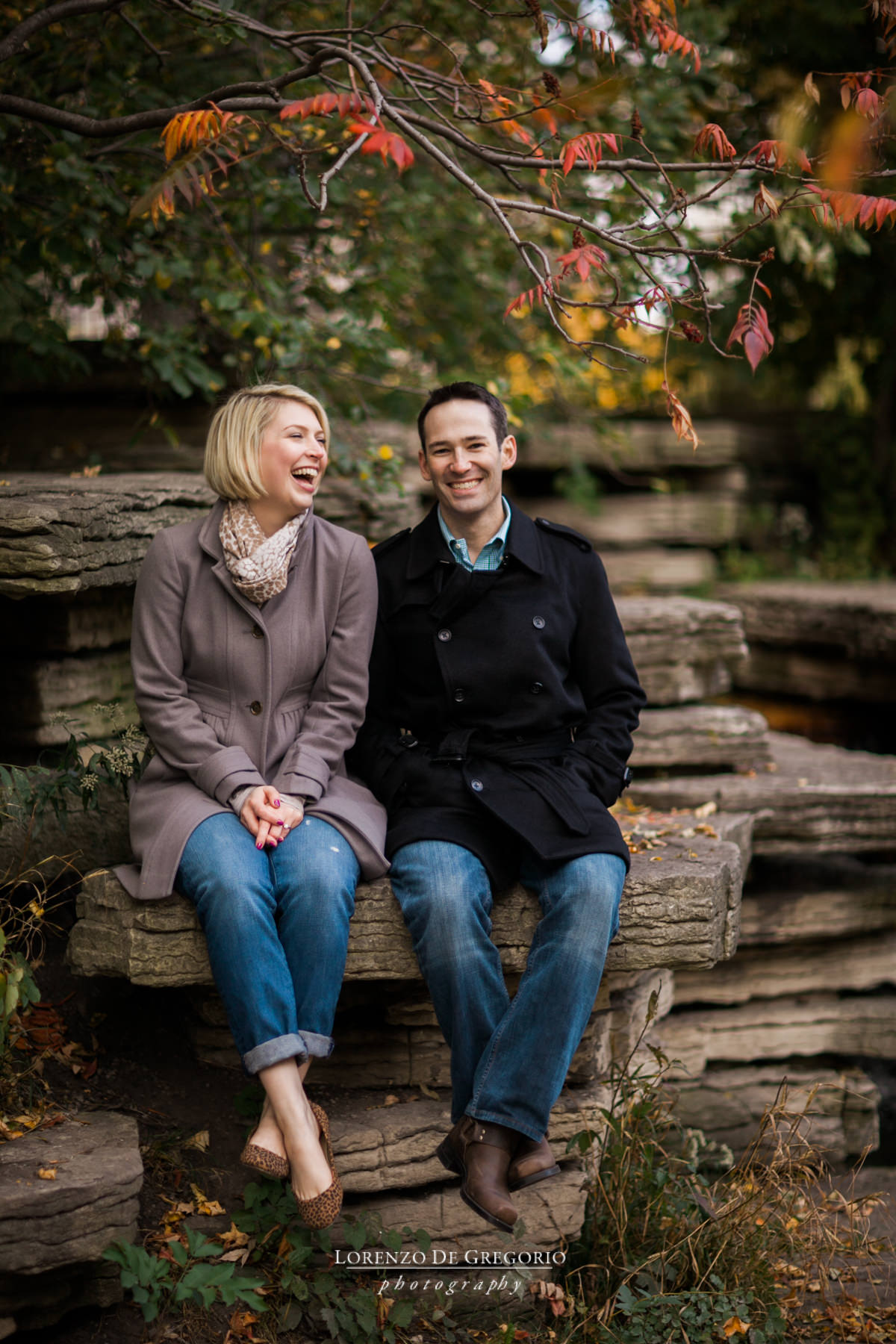 Chicago engagement photographer | Lincoln Park engagement photos | Caldwell Lily pool engagement