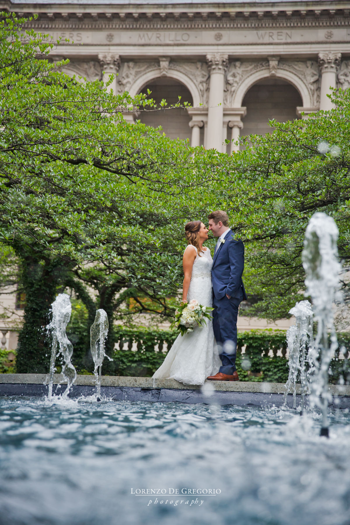 Chicago Art Institute wedding pictures