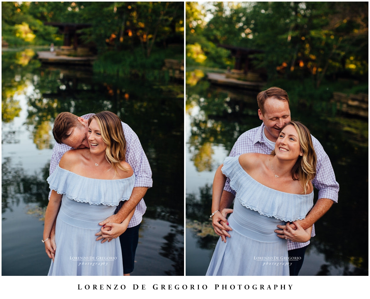Chicago engagement photos at sunset in Lincoln Park   Engagement photographers